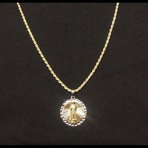 Gold Chain Rope Chain 2mm and Medallion